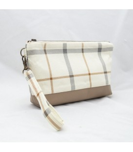 Kellie Wristlet, Plaid