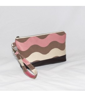 Kellie Wristlet, Chocolate Waves