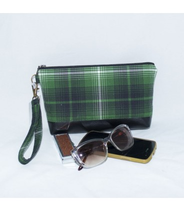 Kellie Wristlet, Green Plaid